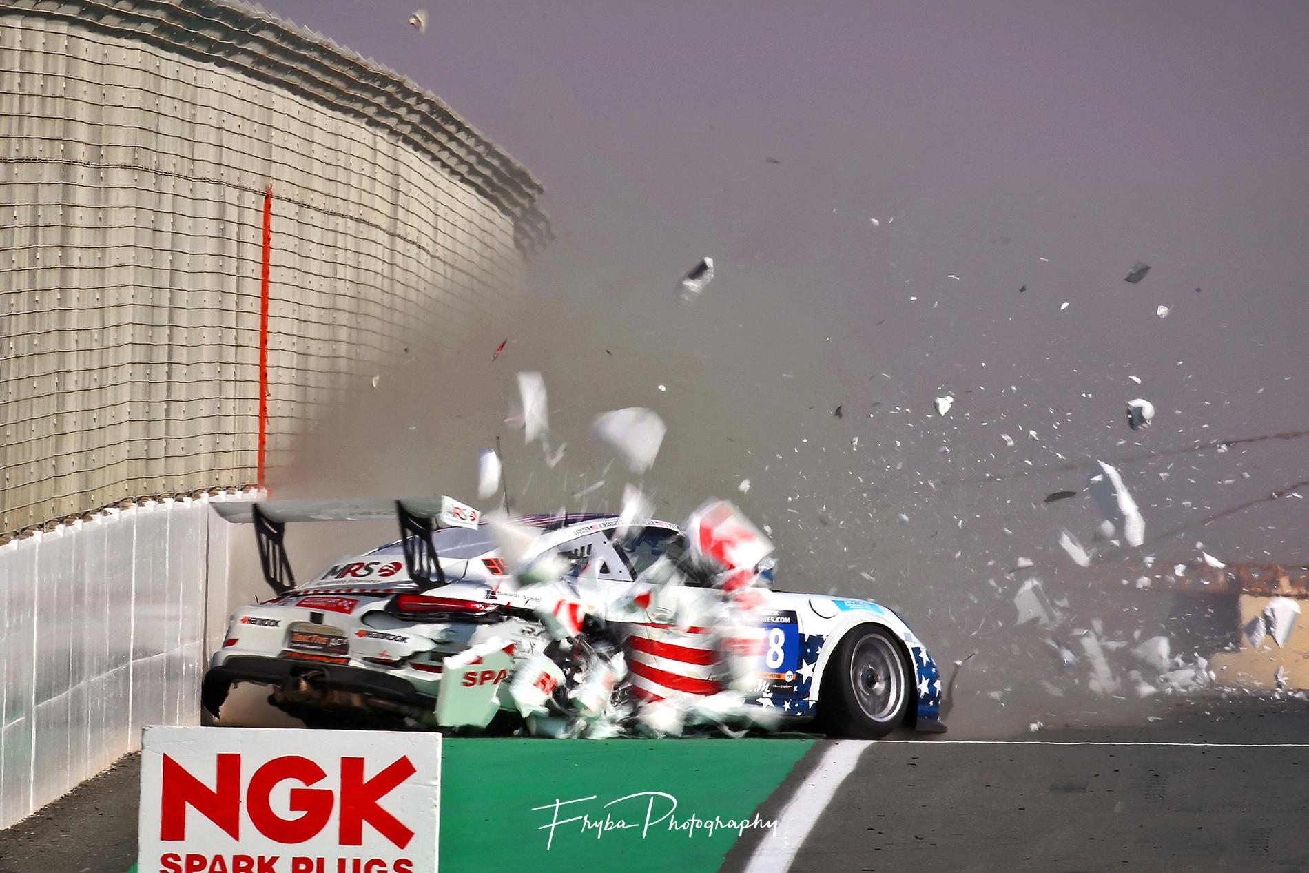24h Dubai 2016 Porsche crash