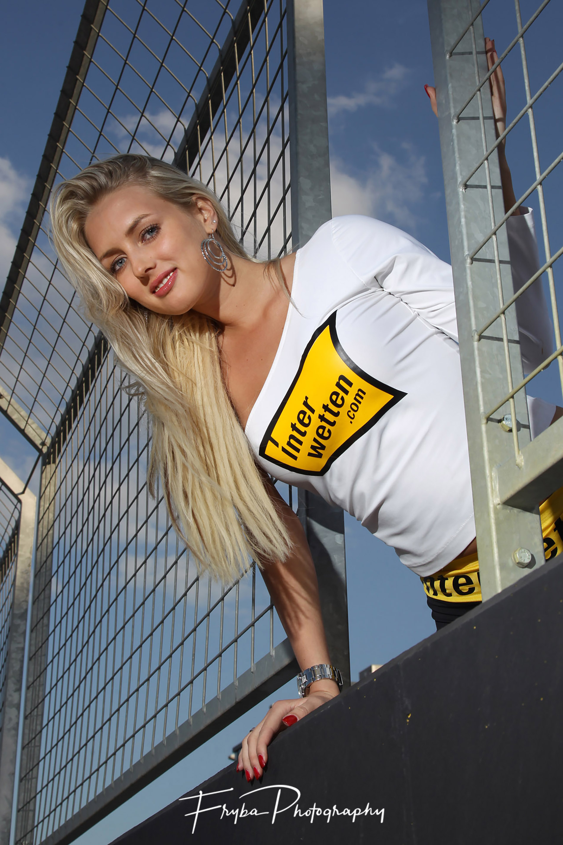 Grid-girl-Czech